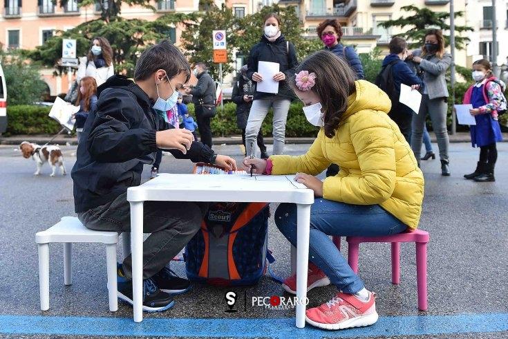 """Vertice con il sindaco: """"A Salerno chiesta la riapertura immediata della scuola"""" - aSalerno.it"""