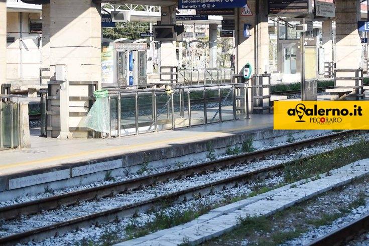 Girovagava sui binari della stazione, la Polizia salva un trentenne - aSalerno.it
