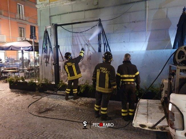 Incendio sul Corso Vittorio Emanuele, intervengono i Vigili del Fuoco - aSalerno.it