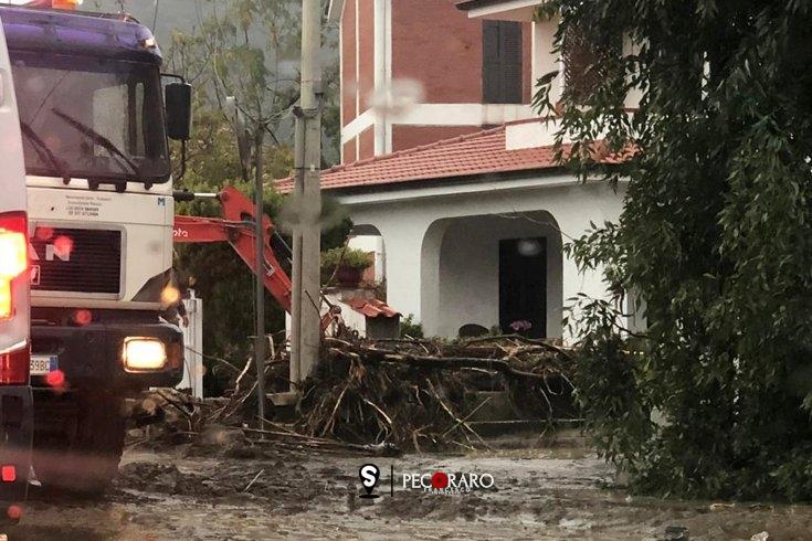 Maltempo, devastanti alluvioni nel golfo di Policastro – FOTO - aSalerno.it