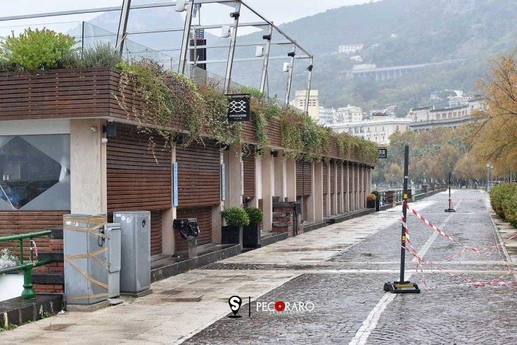 Nuova chiusura nel weekend: transennati lungomare e le piazze della movida - aSalerno.it