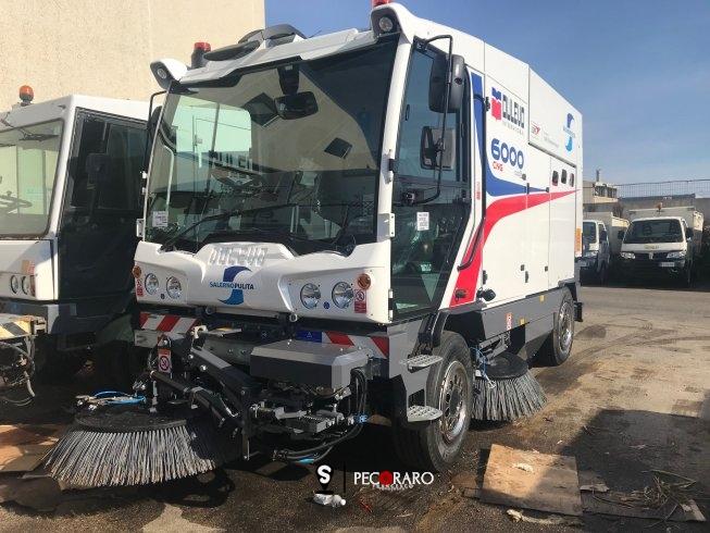 Pulizia delle strade a Salerno, entrate in funzione 5 nuove spazzatrici - aSalerno.it