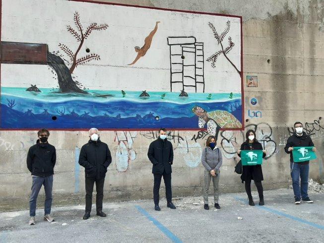 Il nuovo murales di via Vinciprova: il tuffatore di Stefano Santoro - aSalerno.it
