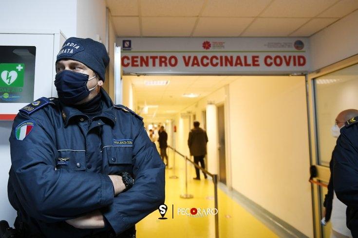 Campania, al via le vaccinazioni agli over 60 - aSalerno.it