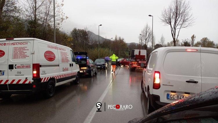 Caos mobilità da Salerno e tutta la Valle dell'Irno, lavori sul Raccordo e traffico in tilt - aSalerno.it