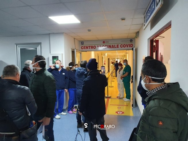 Salerno, è arrivato il vaccino al Ruggi - aSalerno.it