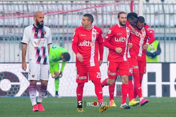 Salernitana colpita da Balotelli e Barillà: 2 a 0 Monza (pt) - aSalerno.it