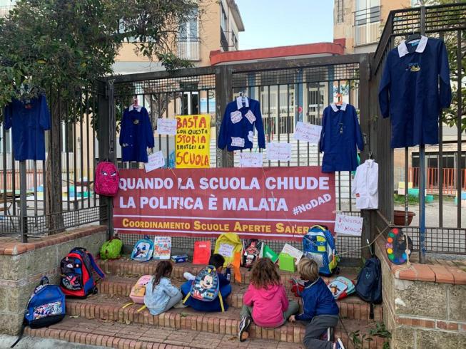 """Riapertura scuola, sindacato chiede passo indietro: """"Troppi rischi il 7 gennaio"""" - aSalerno.it"""