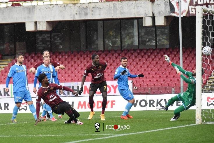 Salernitana in scioltezza, 2 a 0 al Pescara (pt) - aSalerno.it