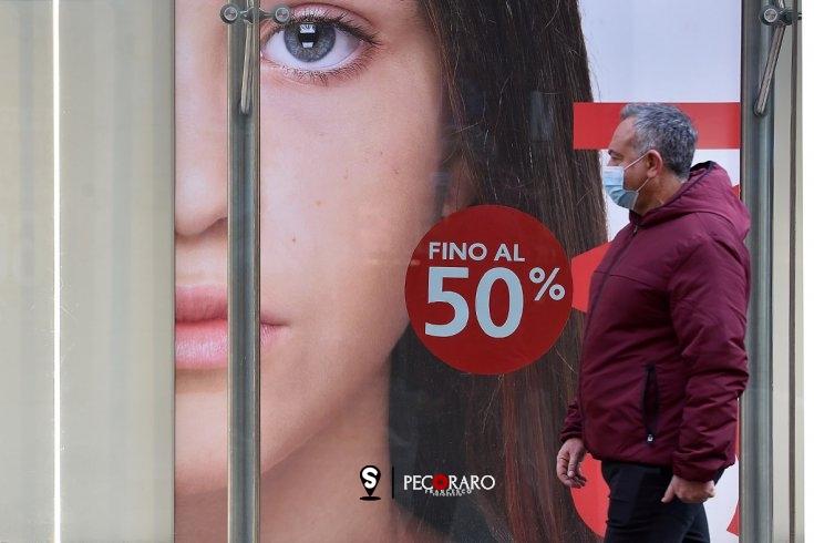 """A Salerno si """"guarda oltre"""", iniziativa dei commercianti con sconti per cittadini privi di vista - aSalerno.it"""