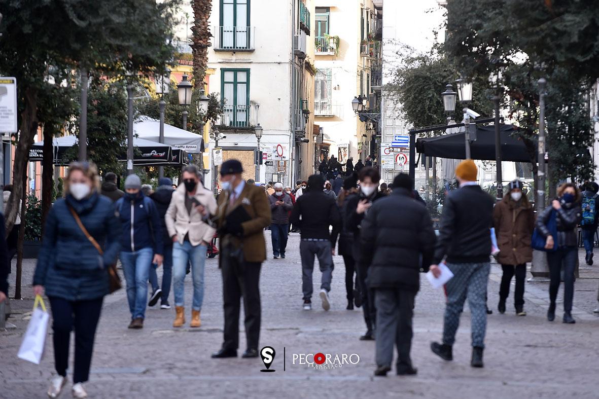 SAL - 11 01 2021 Salerno. Primo giorno di Zona gialla e Saldi. Foto Tanopress