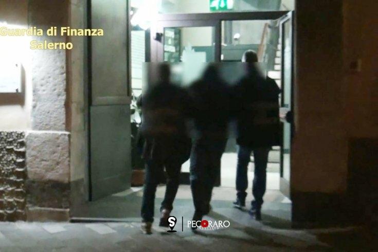 Imprenditori sotto usura nel Salernitano, arrestati padre e figlio - aSalerno.it
