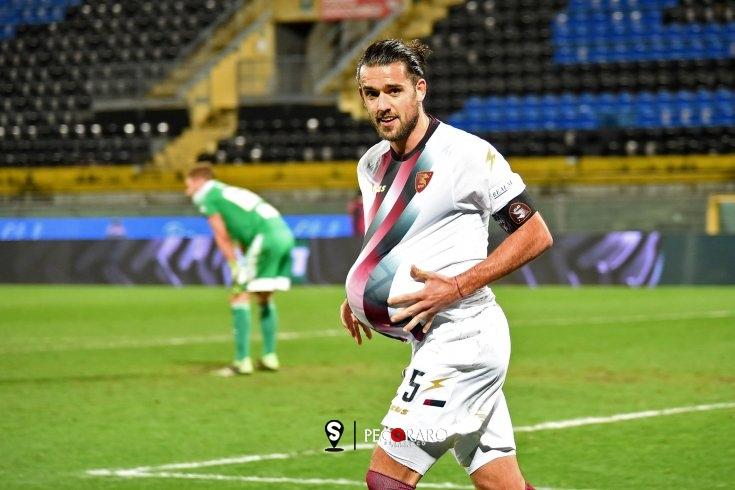 """Casasola: """"Meritavamo di più. Il gol lo dedico a mia moglie incinta"""" - aSalerno.it"""