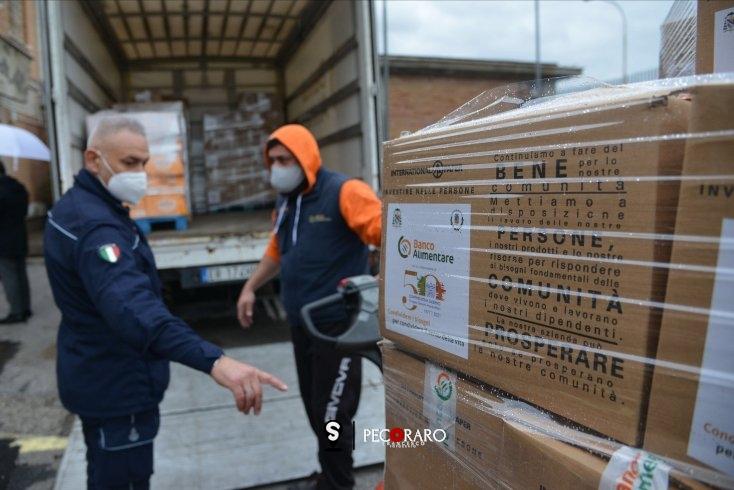 L'iniziativa al carcere di Salerno, pacchi alimentari per detenuti indigenti - aSalerno.it