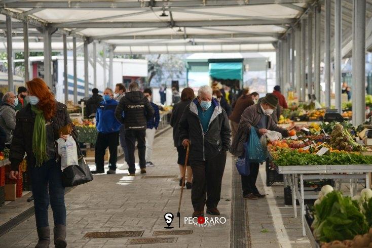 """""""Riaprono i mercati"""" - aSalerno.it"""
