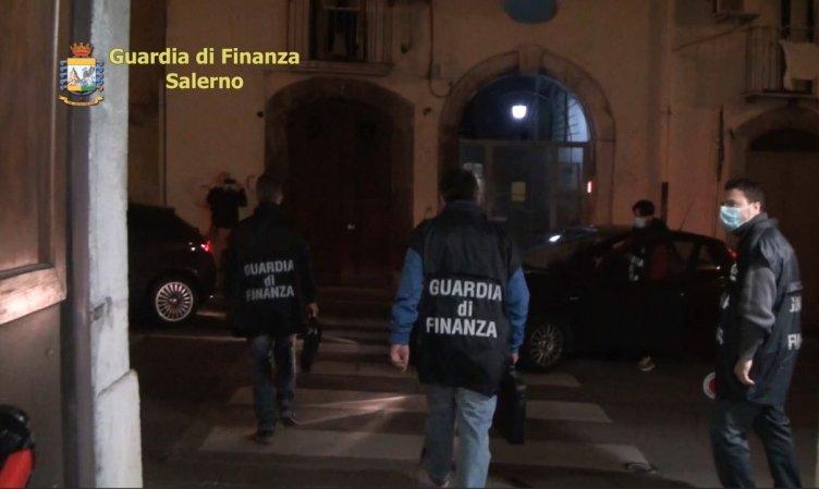 Ha preso 2mila euro da un imprenditore, concussione e arresto per 30enne di Baronissi - aSalerno.it