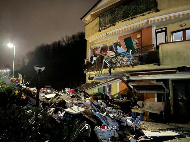 Nubifragio devastante tra Capezzano e Coperchia: crolla abitazione, strada sepolta dal fango - aSalerno.it
