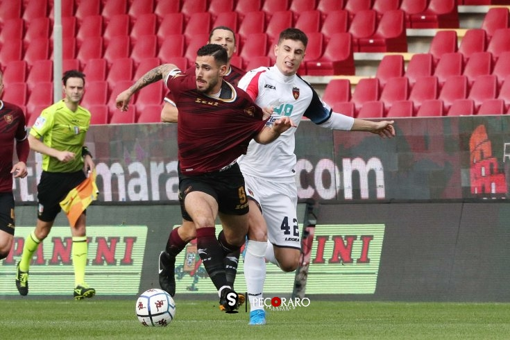 Salernitana a caccia del Cosenza, 0 a 0 all'Arechi (pt) - aSalerno.it