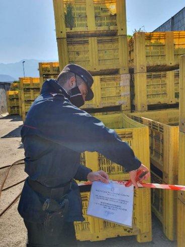 Rifiuti vicino lavorazione di pomodori, scatta il sequestro a Contursi - aSalerno.it