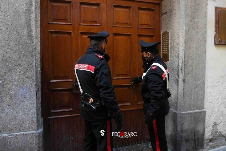 Carabinieri sgomberano casa nel centro storico destinata all'uso di sostanze stupefacenti - aSalerno.it