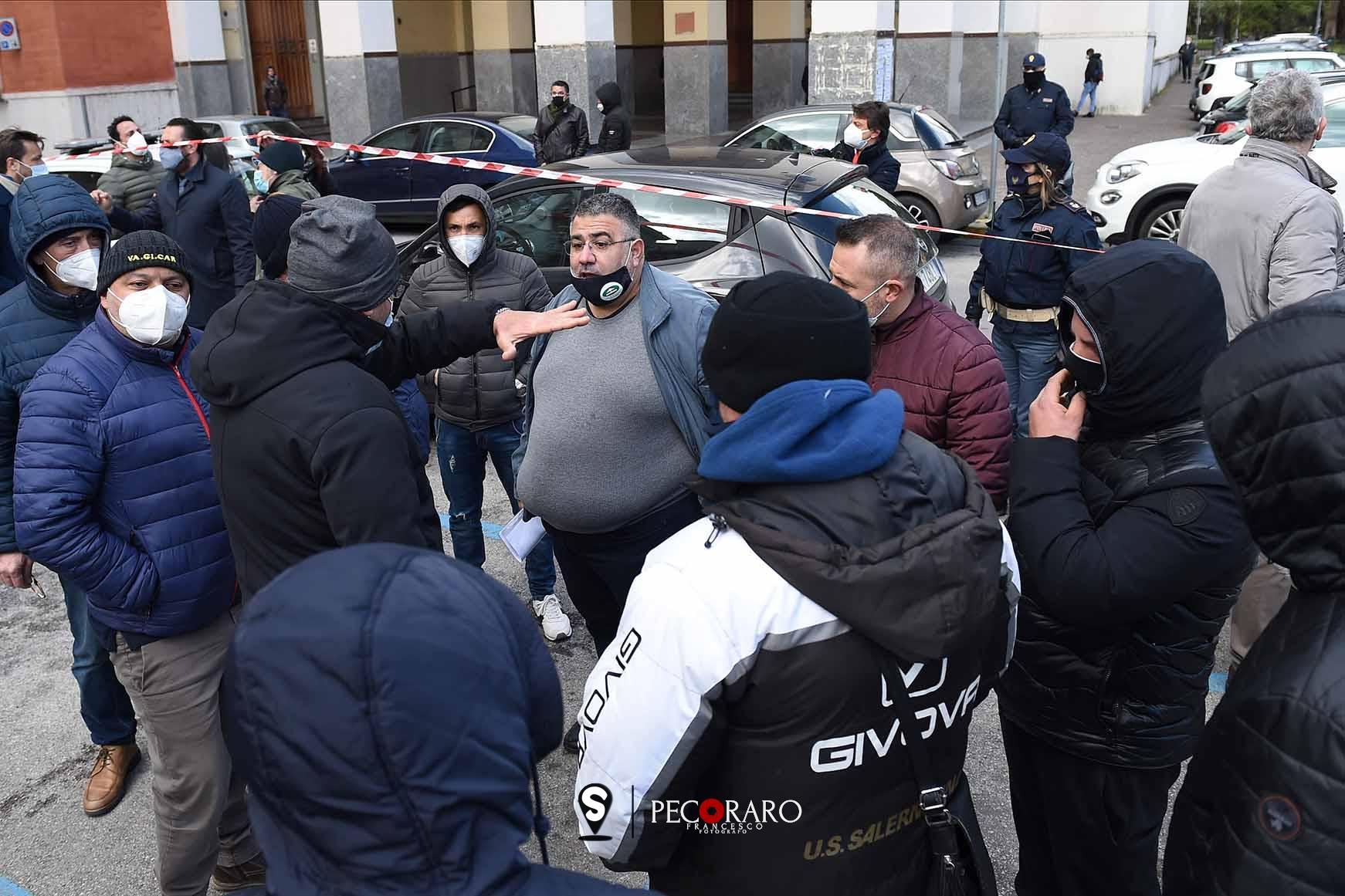 protesta confesercenti piazza amendola.