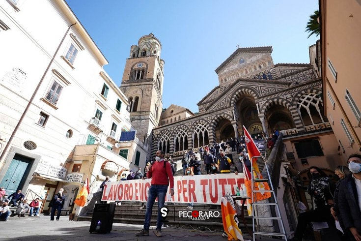 Stagione turistica ancora incerta: lavoratori stagionali della Costiera Amalfitana in protesta - aSalerno.it