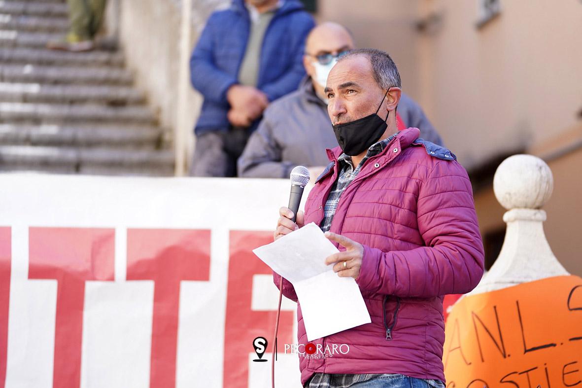 SAL - 10 04 2021 Amalfi Duomo. Protesta lavoratori stagionali. Foto Tanopress