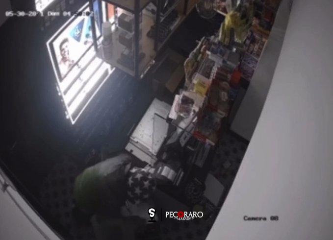 Incubo ladri di notte, altro colpo in un bar a via Roma - aSalerno.it