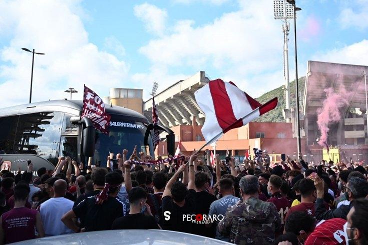 Ultras granata inciteranno i calciatori prima della partenza per Bologna - aSalerno.it