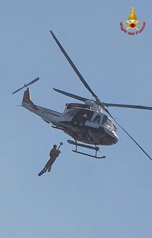 Potenziato il servizio di soccorso con sommozzatori da elicottero dei vigili del fuoco - aSalerno.it