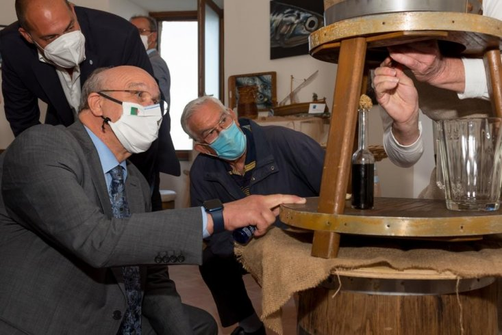 L'ambasciatore algerino in visita a Cetara - aSalerno.it