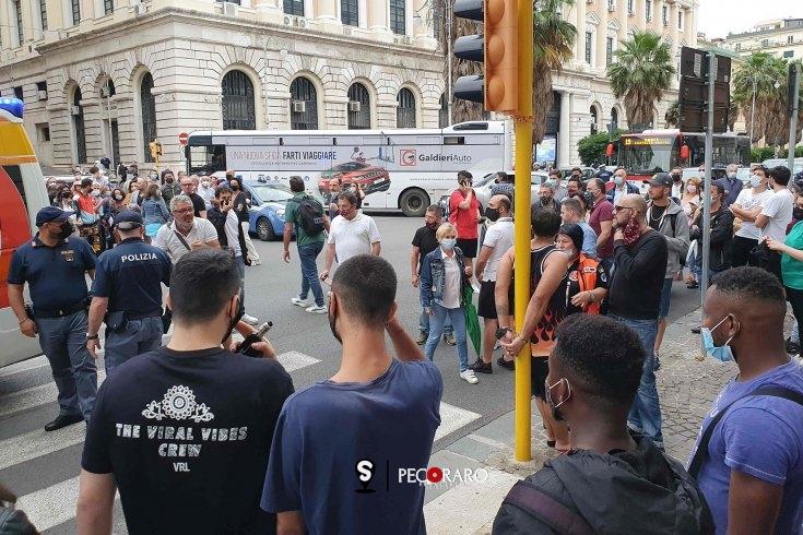 Tensione a Salerno, aggredisce la compagna in strada: bloccato dai Carabinieri - aSalerno.it