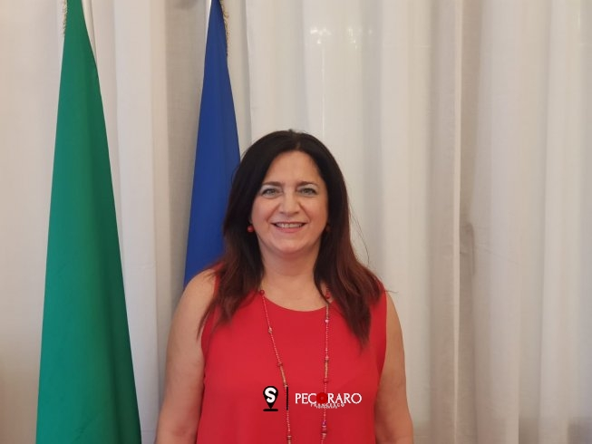 """Speciale Scuola: Angela Nappi, dirigente scolastico del Regina Margherita: """"Tutelata comunità"""" - aSalerno.it"""