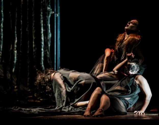 """""""Troiane, figlie di un Dio minore?"""" spettacolo ai Barbuti - aSalerno.it"""