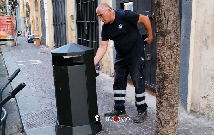 Installati i nuovi cestini in città - aSalerno.it