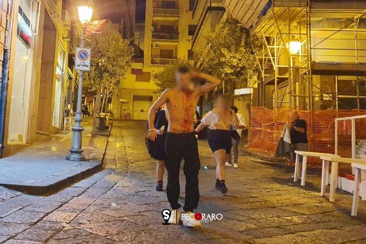 Sabato sera di sangue a Salerno, giovane ferito a coltellate a Santa Teresa - aSalerno.it