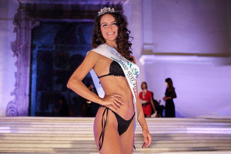 Serata finale di Miss Sud & Ragazza in Jeans 2021: un successo a Roccadaspide - aSalerno.it