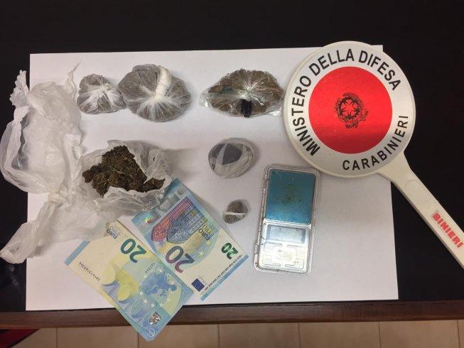 In casa con dosi di marijuana, arrestato 22enne a Campagna - aSalerno.it