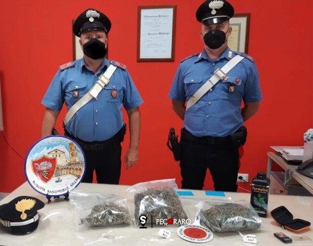Oltre 400 grammi di marijuana in casa: arrestato a Giovi - aSalerno.it