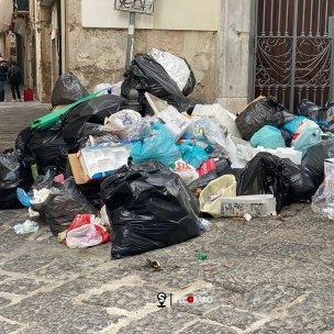 rifiuti via dei canali